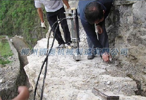 多型号小型岩石劈裂机最新报价/正确操作及维护