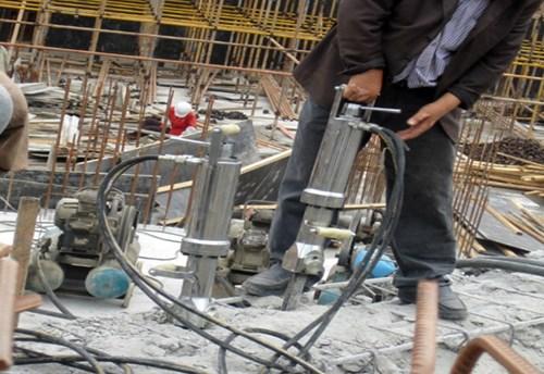 四川舊樓房的拆除劈裂機的使用方法技巧