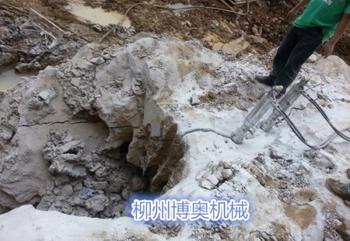 广西南宁那桐采石场劈裂机使用方法