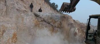 礦山開采大理石廢料和蓋山石頭清理的方法及破碎機械
