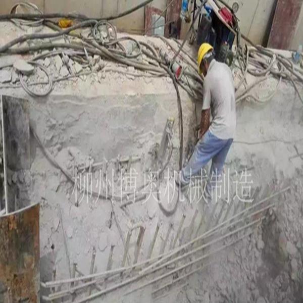 鋼筋水泥柱梁比較快的拆除方式設備_博奧脹裂機