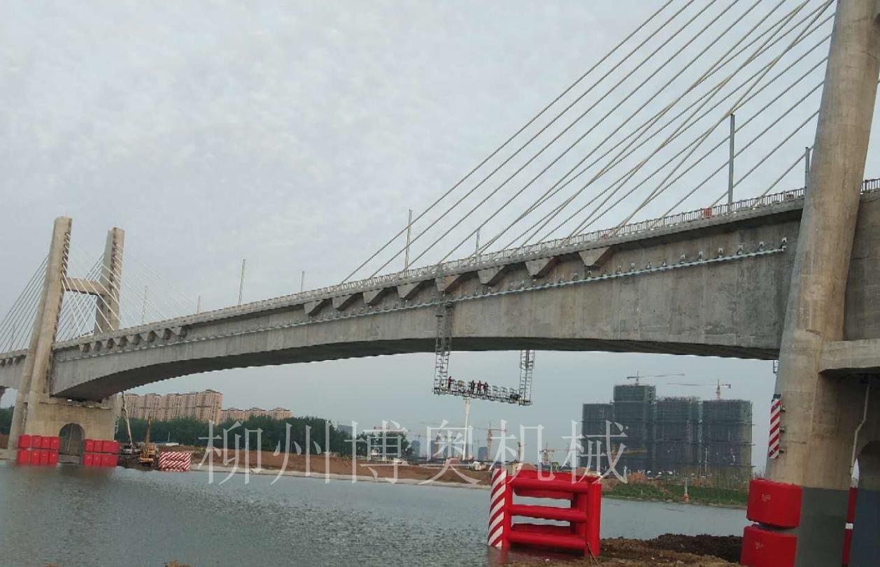 橋梁檢查軌道及檢查小車安裝中博奧公司存在非常大的優勢