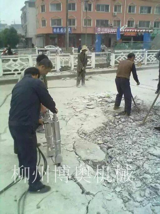 水泥路面破碎机