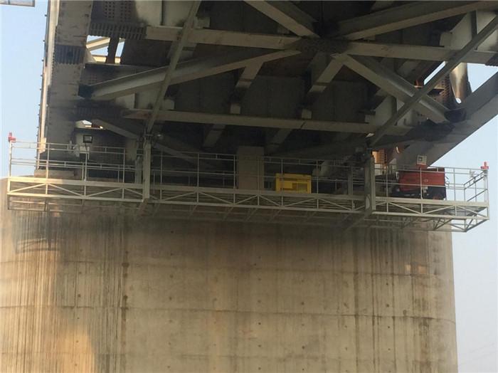 桥底检查车